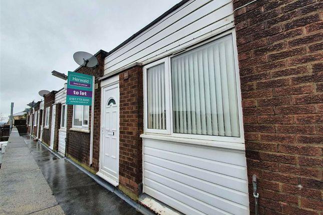 2 bed flat to rent in Blackhorse Street, Blackrod, Bolton BL6