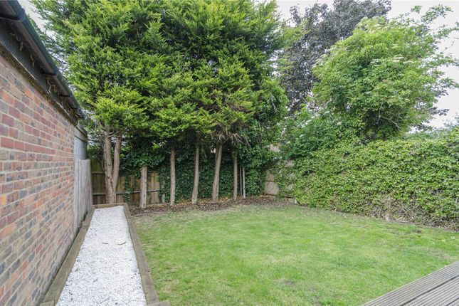 Picture No. 24 of Consort Way, Warley, Brentwood, Essex CM14