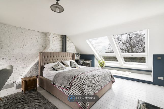 Thumbnail Terraced house to rent in Woodford Road, London