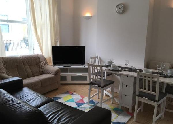 Thumbnail Property to rent in College Street, Kemptown, Brighton
