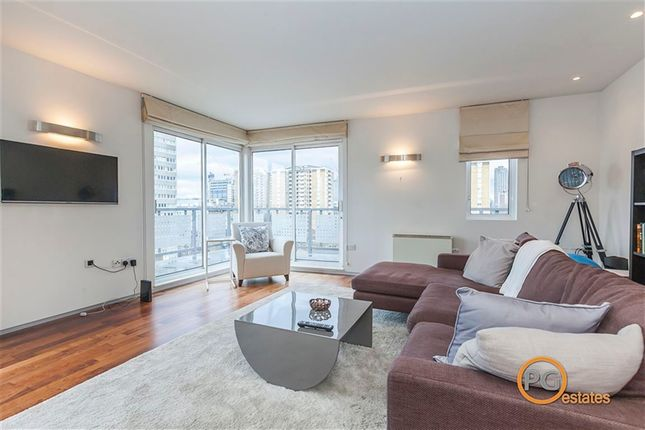 Thumbnail Property to rent in City Reach, Dingley Road, London