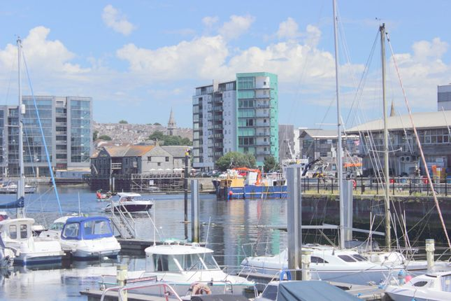 Thumbnail Flat for sale in East Quay House, Marrowbone Slip, Sutton Harbour, Plymouth