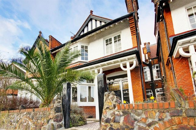 Thumbnail Terraced house for sale in Woodberry Crescent, Muswell Hill, London
