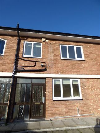 Thumbnail Flat to rent in High Street, Bromsgrove