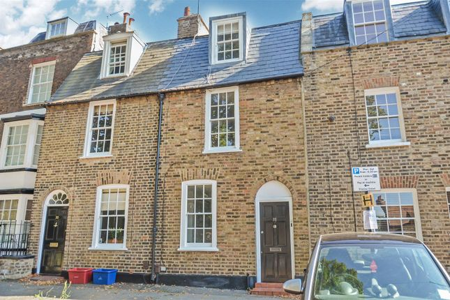 Thumbnail Terraced house to rent in The Butts, Brentford