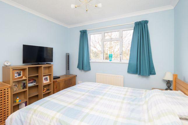 No. 19 - Bed 2 of Balmoral Way, Sutton, Surrey SM2