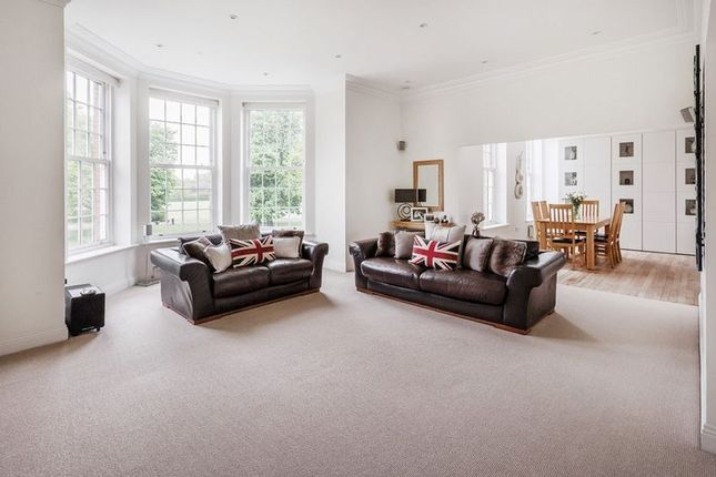 Thumbnail Flat for sale in Cayton Road, Netherne On The Hill, Coulsdon