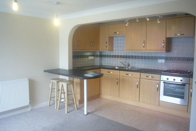 Thumbnail Flat to rent in The Piazza, Bodmin
