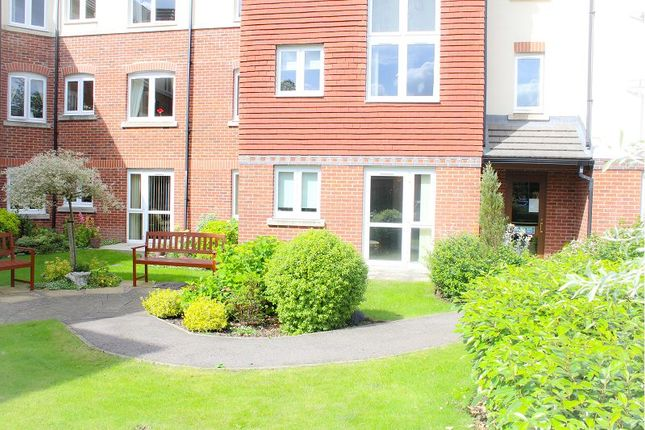 Thumbnail Flat for sale in Charter Court, Retford
