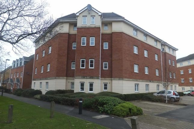 2 bed flat to rent in The Pasture, Bradley Stoke, Bristol