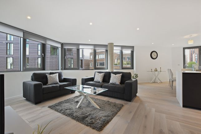 Thumbnail Flat to rent in 99 East Road, London