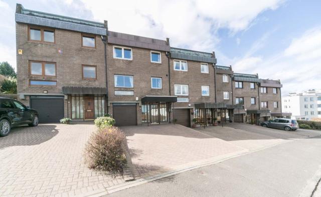 Thumbnail Property to rent in Craigleith Crescent, Ravelston 3Lb