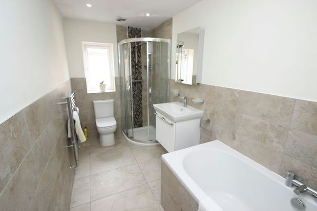 Bathroom of Campbell Road, Sale M33