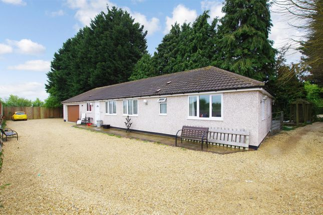 Thumbnail Detached bungalow to rent in Turnpike Road, Blunsdon, Swindon