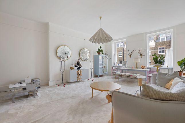 Thumbnail Flat to rent in Upper Wimpole Street, Marylebone Village, London