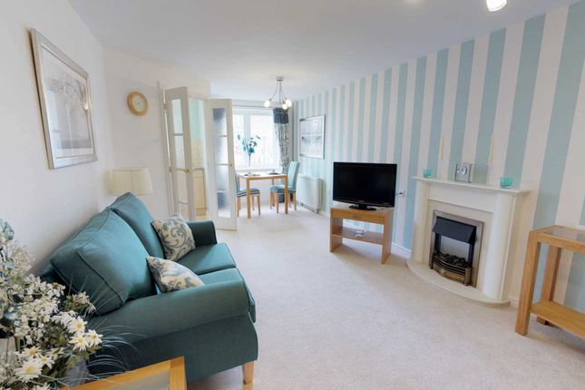 Thumbnail 1 bed flat for sale in Nanterre Court, Hempstead Road, Watford