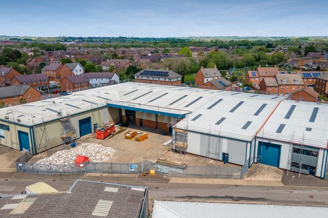 Thumbnail Industrial to let in Unit 22B, Vale Industrial Estate, Southern Road, Aylesbury