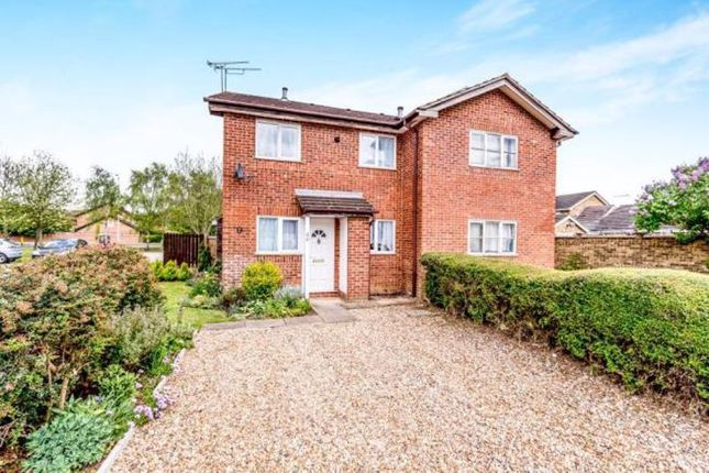Thumbnail Property for sale in Harlestone Close, Luton