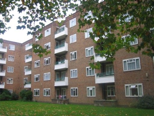Thumbnail Flat to rent in Sulivan Court, Broomhouse Lane, London