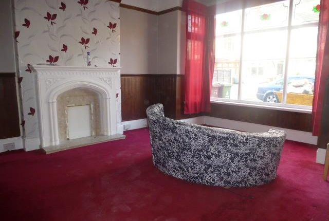 Thumbnail Property to rent in The Crescent, Walsall