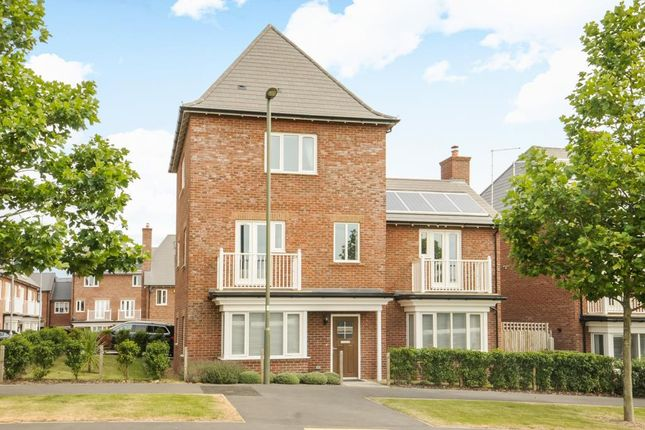 4 bed detached house for sale in Inglis Way, London NW7,