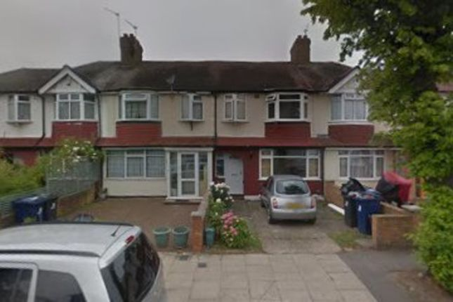 Thumbnail Flat to rent in Torrington Road, Perivale, Greenford