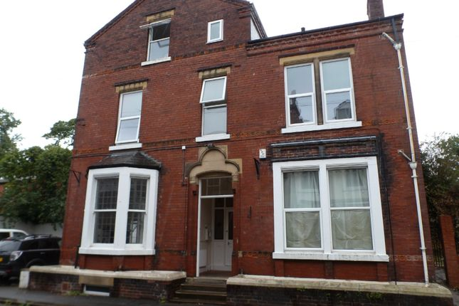 Thumbnail Flat to rent in Westfield Terrace, Wakefield, West Workshire, West Yorkshire