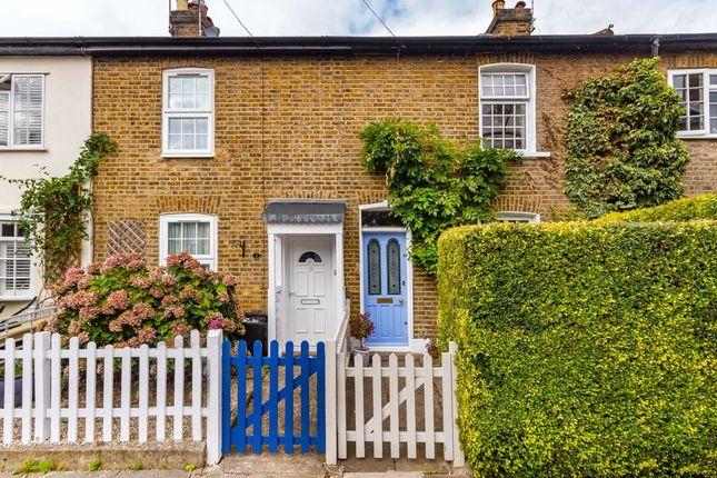 in  Oak Cottages  Green Lane  London Watford