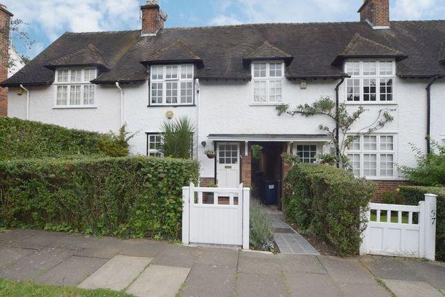 Oakwood Road Hampstead Garden Suburb London Nw11 3