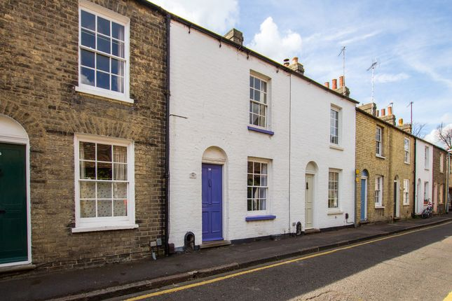 Thumbnail Terraced house for sale in Orchard Street, Cambridge