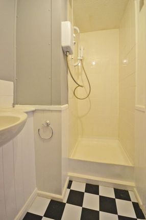 Photo 7 of Studio Apartment, Llwyn Deri Close, Rhiwderin NP10