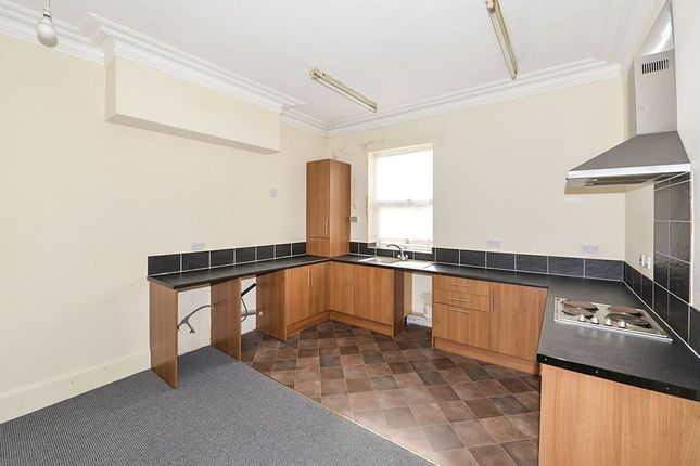Thumbnail Flat to rent in Quay Road, Bridlington