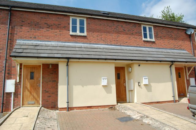 2 bed flat to rent in Fitzroy Court, West Haddon, Northampton NN6
