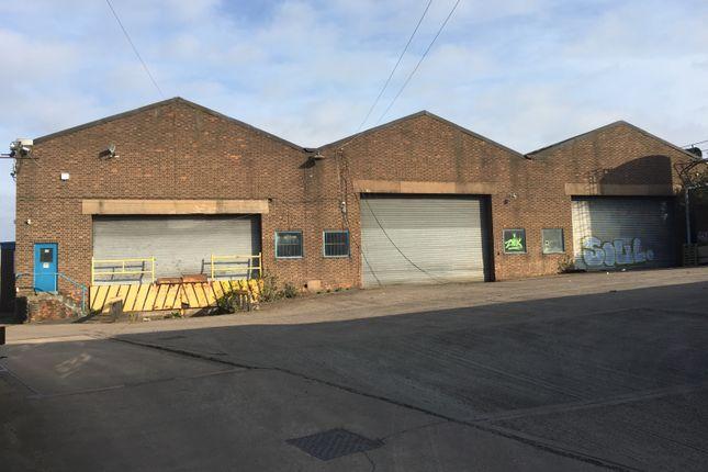 Thumbnail Warehouse to let in Coxs Lane, Cradley Heath
