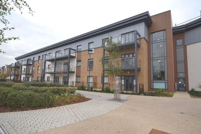 Thumbnail Flat to rent in Clovelly Court, Wintergreen Boulevard, West Drayton