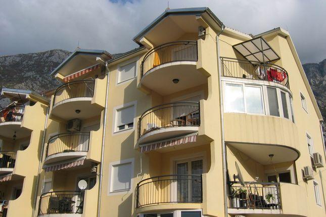 3 bed apartment for sale in Spacious Newbuilt Apartment, Dobrota, Montenegro