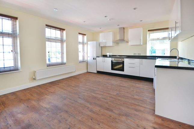 Thumbnail Flat to rent in Hale Lane, Edgware