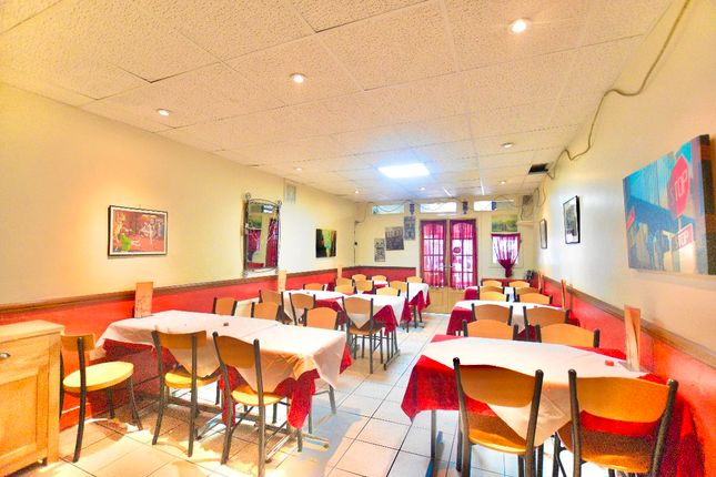 Thumbnail Restaurant/cafe to let in Beadles Parade, Rainham Road South, Dagenham