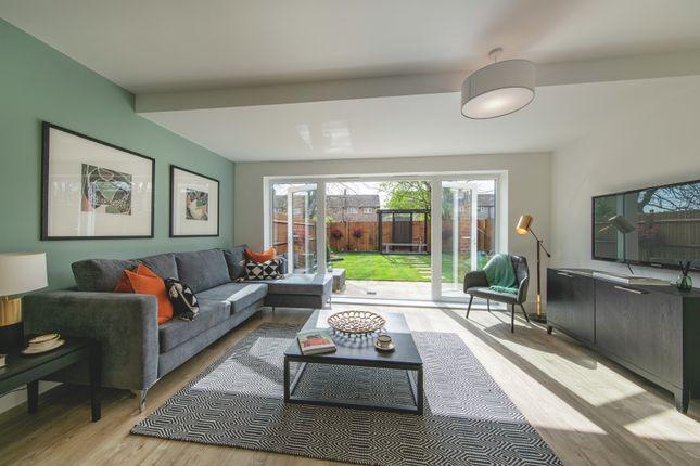 4 bed semi-detached house for sale in De Burgh Gardens, Tadworth KT20