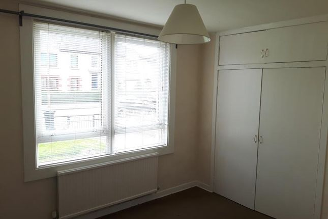 Thumbnail Property to rent in Lochend Avenue, Edinburgh