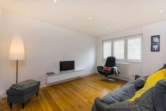 Thumbnail Property for sale in Union Mews, Clapham North