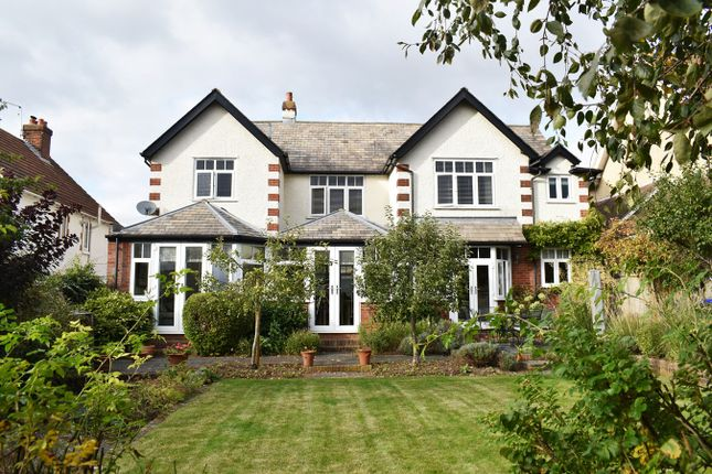 4 bed property for sale in Moberly Road, Salisbury SP1