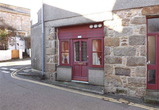 Thumbnail Flat to rent in Bread Street, Penzance