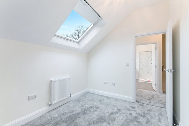 Picture No. 26 of Willow Cottage, St Leonards Road, Nazeing, Essex EN9