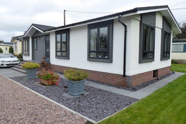 Thumbnail Mobile/park home for sale in Western Park, Elton Lane, Wheelock Heath, Sandbach, Cheshire