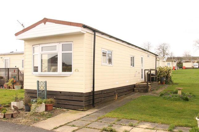 2 bed mobile/park home for sale in Main Avenue, Shaws Trailer Park, Knaresborough Road