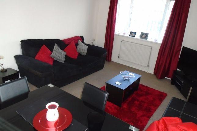 2 bed flat to rent in Netley Street, Farnborough