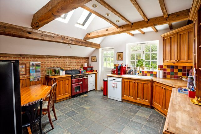 Picture No. 03 of Bushylease Cottages, Redlands Lane, Crondall, Farnham GU10