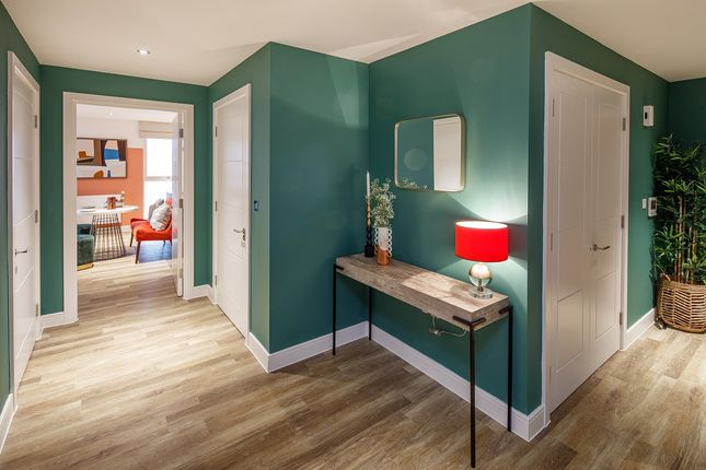 Thumbnail Flat for sale in South Grove, London