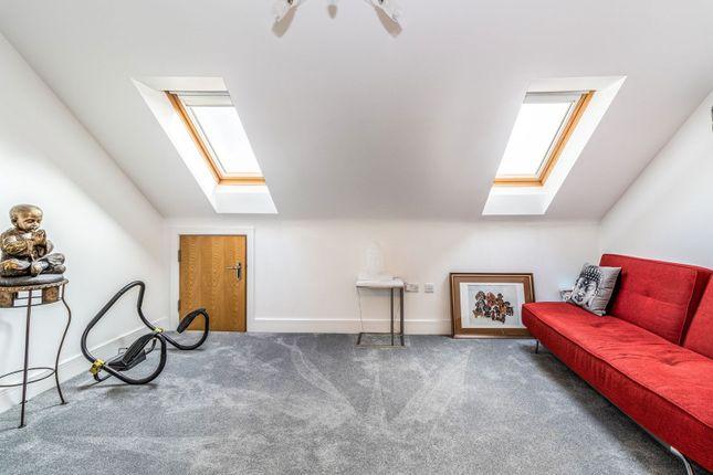 Bedroom of Green Street, Sunbury-On-Thames TW16